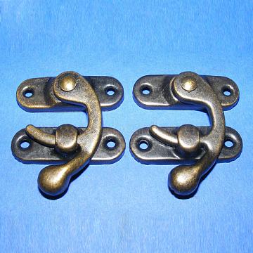 Iron Wooden Box Lock Catch Clasps, Jewelry Box Latch Hasp Lock Clasps, Antique Bronze, 26x23x8mm, Hole: 2~2.5mm, 2pcs/set(X-IFIN-R203-92AB)