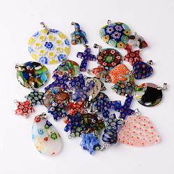 Forme mixte pendentifs en verre fait à la main millefiori, avec les accessoires en laiton de tonalité de platine, couleur mixte, 15~43x14~39x3~14mm, trou: 2x4 mm; environ 45 pcs / 200 g(LK-P028-16)