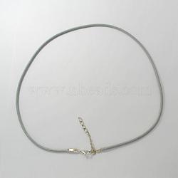 """Collier en similicuir, avec platine couleur fer mousquetons et des chaînes de fer, gris clair, 18""""(X-NCOR-R027-10)"""