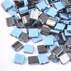 Déposer des perles de rocaille en verre opaque, 2-trou, rectangle, Bleu ciel, 5x4.5~5.5x2~2.5mm, Trou: 0.5~0.8mm(SEED-S023-18C-03B)