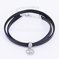 colliers choker avec cordon en cuir, avec pendentifs en micro-pavé de laiton et zircone et pinces à homard, signe de paix, noir, platine, 13.38 (34 cm)(NJEW-H477-18P)