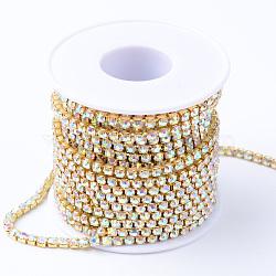 Chaînes en laiton avec strass, strass chaînes de tasse, avec bobine, non plaqué, cristal ab, 2.3~2.4mm, environ 10 yard / rouleau(CHC-T001-SS8-02C)