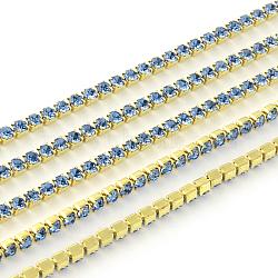 Chaînes avec strass en laiton sans nickel non plaqué, chaîne de tasse de rhinestone, 1440 pcs strass / bundle, Grade a, saphir clair, 2.2mm, 3.6 m / bundle(CHC-R119-S6-07C)