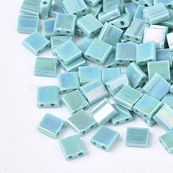 2 trous perles de rocaille de verre, arc-en-ciel plaqué, carrée, turquoise moyen, 5x4.5~5.5x2~2.5mm, Trou: 0.5~0.8mm(X-SEED-S023-19C-01)