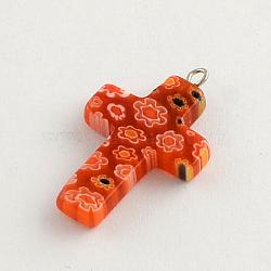 Perles en verre de millefiori manuelles, avec les accessoires en fer de tonalité de platine, croix, orange rouge , 30~35x20~22x4mm, Trou: 1.5~2mm(LK-R005-11B)