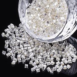 15/0 perles de rocaille en verre, Argenté, trou de triangle, fumée blanche, 2x2x2mm, trou: 0.8 mm; environ 450 g / sac(SEED-S018-07)