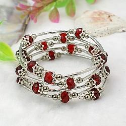 Bracelets enroulés à la mode, avec des perles de verre rondelles, Coupelles de style tibétain , laiton perles de tubes et de fils d'acier de la mémoire, rouge, diamètre intérieur: 55 mm(BJEW-JB00628-13)