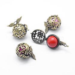 Pendentifs de cage en laiton, carillon boule, laiton avec des perles de cloche, sans plomb et sans cadmium, ronde avec l'aile, bronze antique, 26.5x26x20mm, Trou: 3mm(KK-F723-11AB-RS)