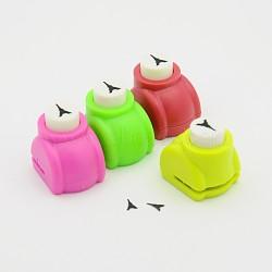 Kits de punchv de Mini embarcation en plastique pour scrapbooking et artisanat en papier, tour eiffel, couleur aléatoire, 33x26x31mm(AJEW-F003-02)