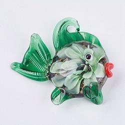 Gros pendentifs vernissées manuels, poisson avec fleur, verte, 49~55x45~50x16~18mm, Trou: 4~5mm(LAMP-G132-B05)