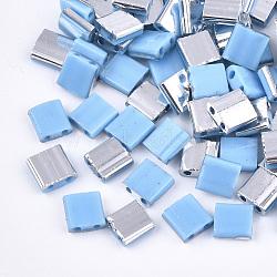 Déposer des perles de rocaille en verre opaque, 2-trou, rectangle, Bleu ciel, 5x4.5~5.5x2~2.5mm, Trou: 0.5~0.8mm(SEED-S023-18C-03D)