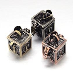 Rack cube sculpté boîte laitonnage de prière pendentifs, boîte souhaiter, couleur mixte, 18x12x17mm, Trou: 5x3mm(KK-L101-21)