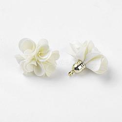Décorations de pendentif en tissu, avec les accessoires acryliques, fleur, blanc crème, 25~30x28~35mm, Trou: 2mm(X-FIND-P026-D12)