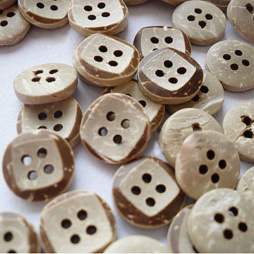 12mm Tan Coconut 4-Hole Button