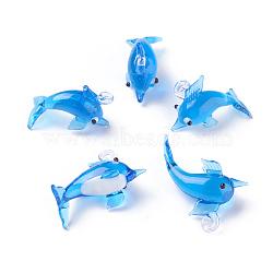 Pendentifs vernissées manuelles, dauphin, dodgerblue, 27~33x11~14x18~23mm, Trou: 2~4mm(LAMP-L075-085)